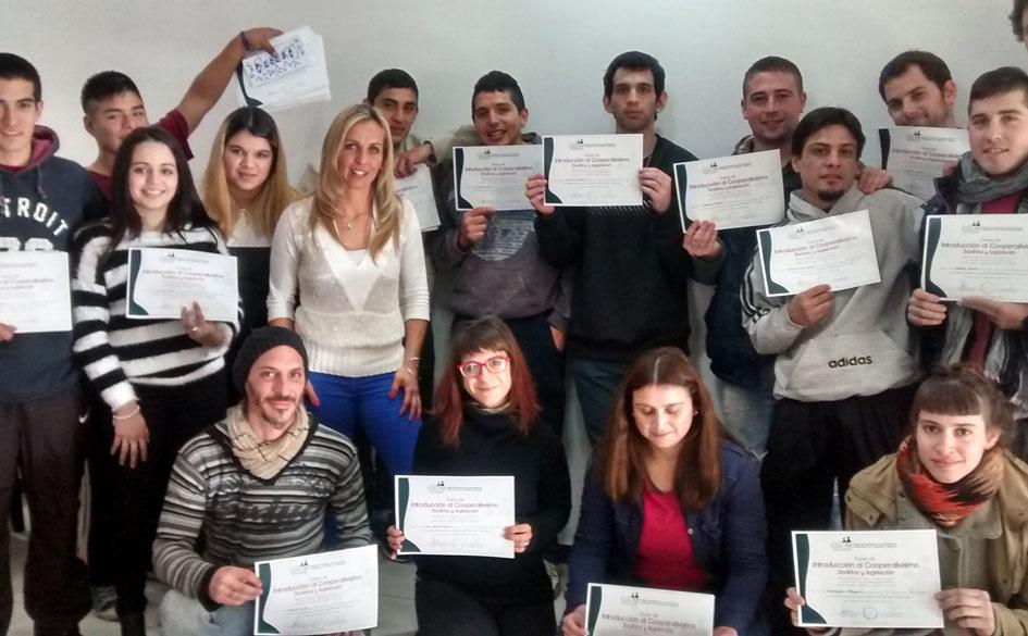 Autoservicio La Amistad, una cooperativa que crece invirtiendo en la formación de sus asociados