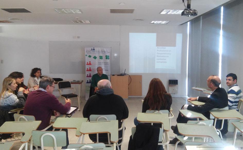 Encuentro de profesionales de la Economía Social en la Universidad Católica de Santa Fe