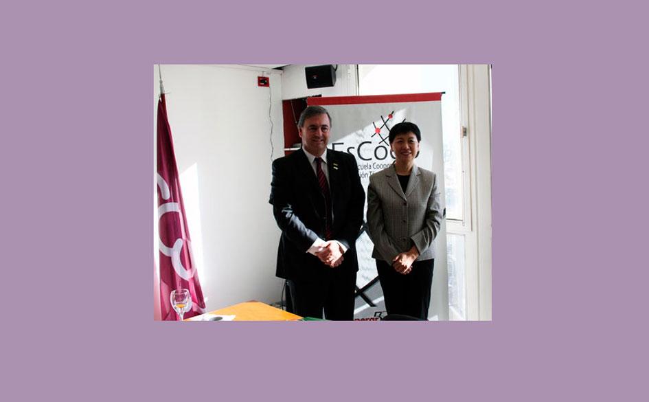 Histórica visita de dirigentes chinos a la casa del cooperativismo argentino