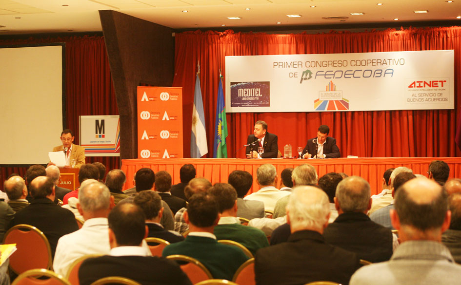 Primer Congreso Cooperativo de FEDECOBA: Presentación del documento final con conclusiones y propuestas