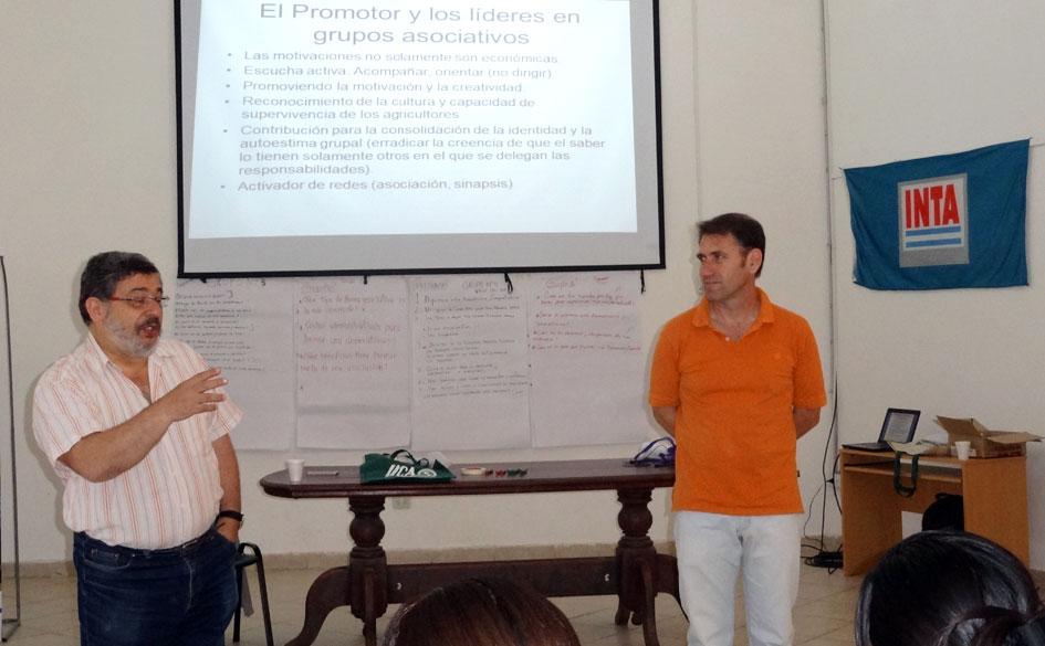 Lic. Luis Levín y Lic. Juan Pubill durante la instancia teórica del curso.