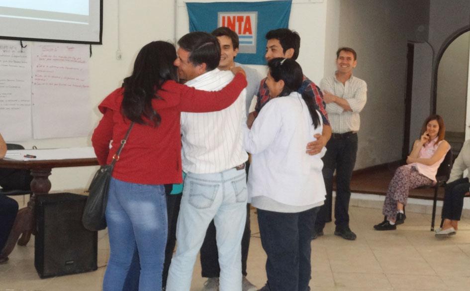 Una de las actividades grupales desarrolladas durante la capacitación