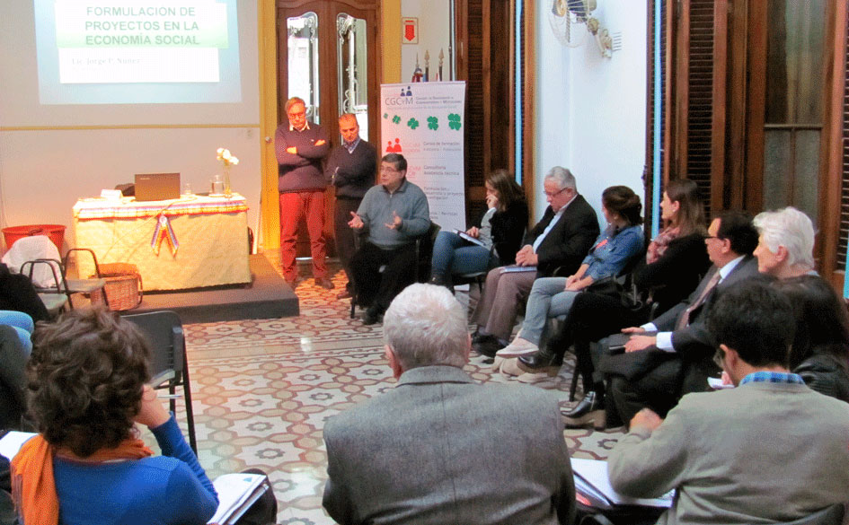 Encuentro de profesionales de la Economía Social en Rosario organizado por el CGCyM