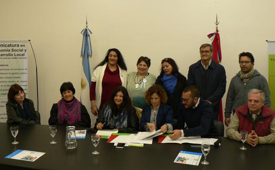 Convenio en Misiones entre Agricultura Familiar y el Colegio Pcial. Martín de Moussy: prácticas profesionalizantes